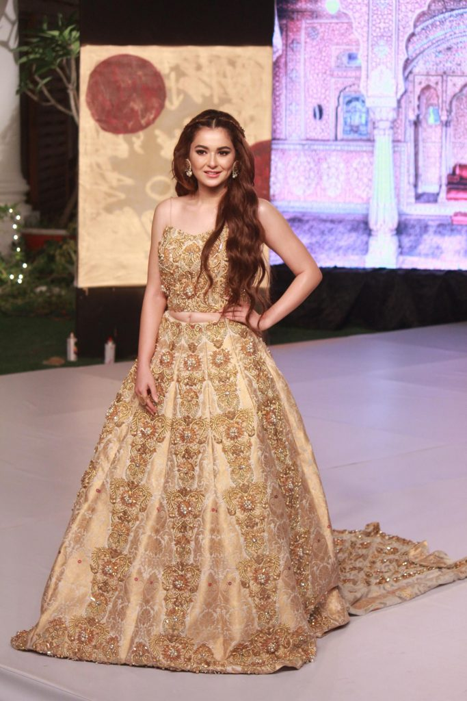 The Fashion Soiree Day 2 of Shaan e Pakistan witnessed the real Padmaavat experience! 9