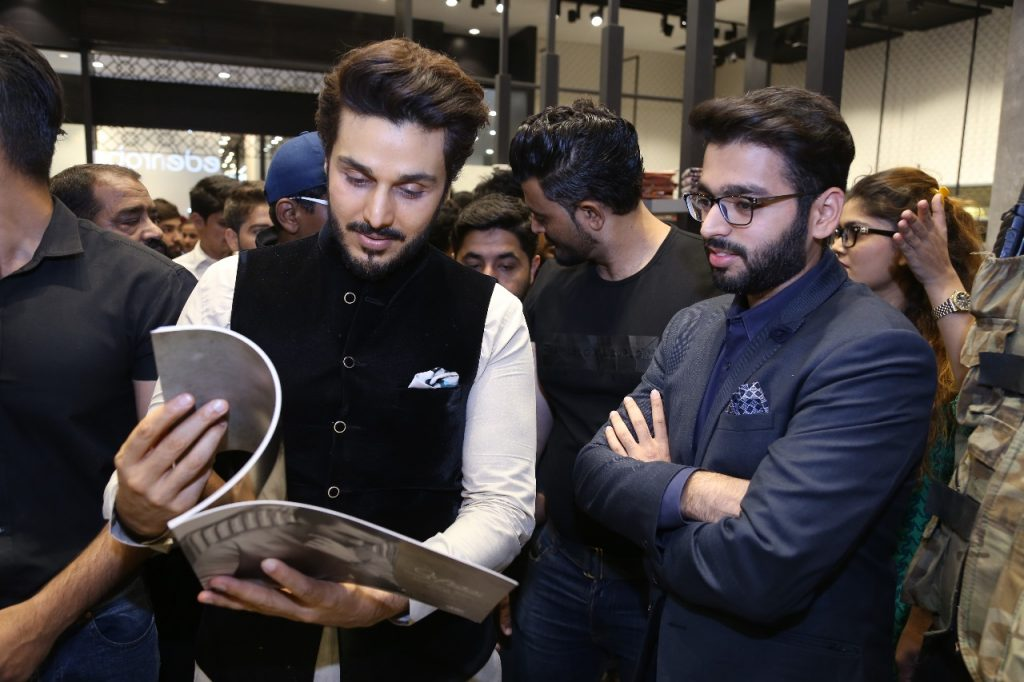 Face of Safeer _Ahsan Khan_ Visited edenrobe at Lucky One Mall 1